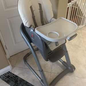 Graco 6 In 1 High Chair for Sale in Fountain Valley, CA