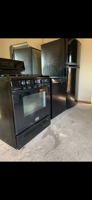 Frigidaire Gallery 5 burner gas stove, Bosch dishwasher and a Kenmore refrigerator. for Sale in Yonkers, NY