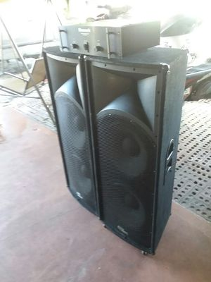 Power newmark with speaker skp pro audio for Sale in Tampa, FL