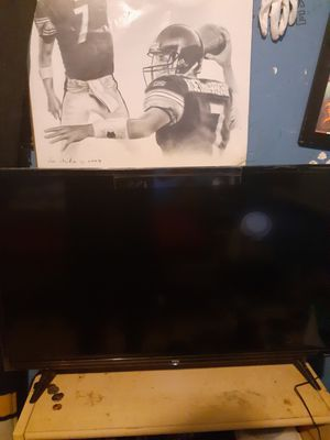 Roku tcl TV 32 inch for Sale in Wasco, CA