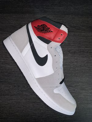 Jordan 1 Retro High Light Smoke Grey Size 9 for Sale in Arlington, TX