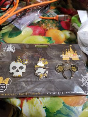 Disney Minnie Mouse Main Attraction Series 2 pirates of the Caribbean Pins for Sale in Houston, TX