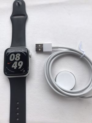 Apple Watch Series 5 Nike+ ( 44mm ) GPS Only Silver Aluminum Case for Sale in Hacienda Heights, CA