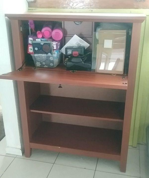 Small Hutch Desk