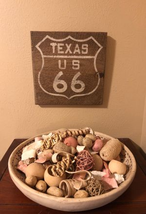 Texas rustic sign and centerpiece for Sale in Houston, TX
