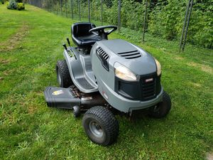 Craftsman LT2000 lawn mower tractor for Sale in Federal Way, WA