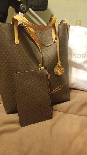 Michael Kors Signature Tote bag for Sale in Glendale, AZ