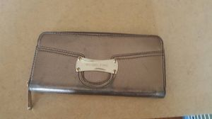 Michael Kors Silver Wallet for Sale in Monticello, MN