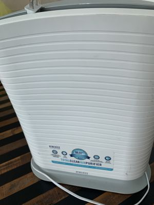 HoMedics Air Purifier AF-20 with Free New Hepa filter included. for Sale in Fort Lauderdale, FL