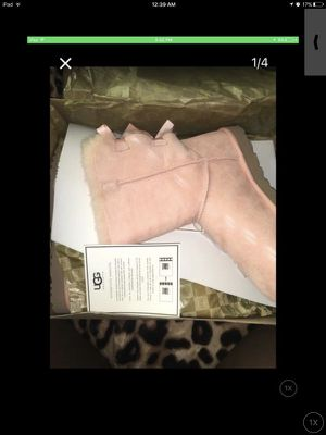 Pink bailey bow ugg boots 100% authentic size 8 for Sale in Hyattsville, MD