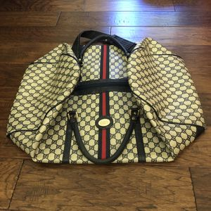 Gucci duffle bag for Sale in Naples, FL