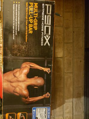 P90X New in Box multi grip pull up bar for Sale in Fresno, CA