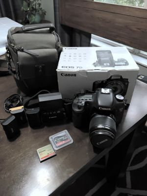 CANON EOS 7D for Sale in Tampa, FL