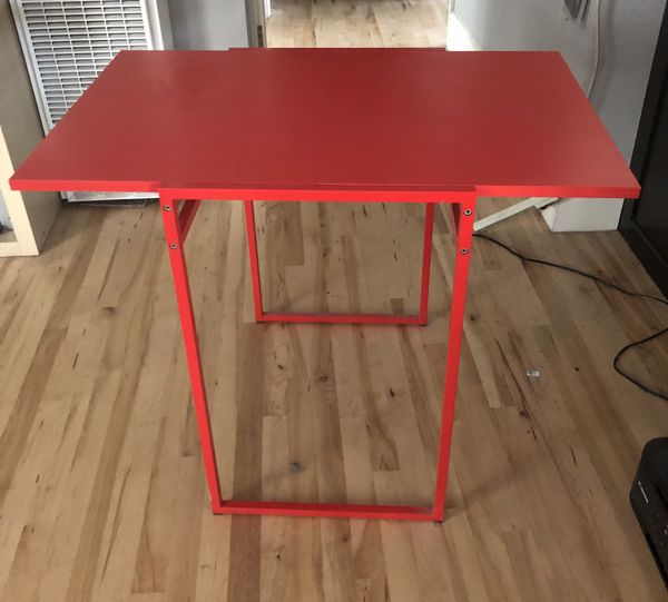 Folding card table/small kitchen table