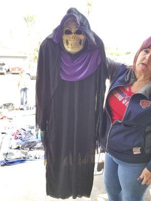 Costume for Sale in Fresno, CA