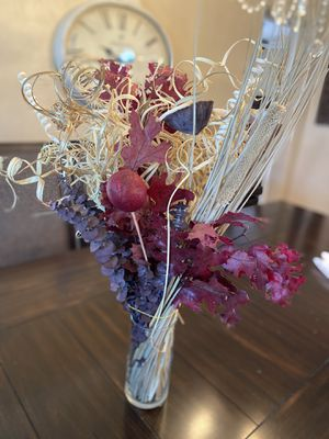 Fall Arrangement dry flowers with glass vase for Sale in St. Petersburg, FL
