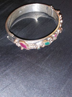 18 k.. Gold...and..925.. Hand made..Brasle.. Emerald..ruby..stone..size8/50 for Sale in Odenton, MD