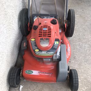 20 Inch Scott's Self Driven Lawn Mower With Grass Bagger for Sale in Las Vegas, NV
