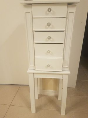 Cute White Jewelry Armoire for Sale in Plano, TX