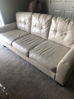 Leather Couch & Love seat with Coffee table for Sale in Bexley, OH