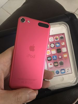 PINK 6th Generation iPod Touch 32GB LIKE NEW LOADED with EXTRAS $130 for Sale in Hialeah, FL