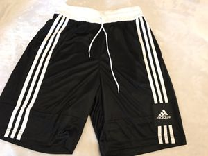 Adidas size M for Sale in Los Angeles, CA