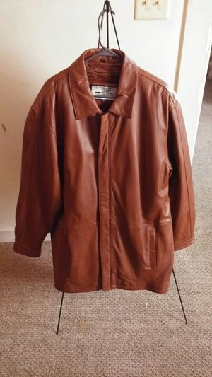 Mens Carmel Brown leather coat sz 2x for Sale in Rustburg, VA