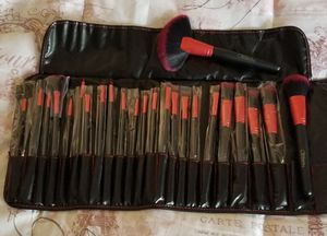 New 24pc makeup brushes set for Sale in Riverside, CA