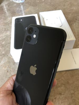 iPhone 11 black factory unlocked for any carrier 64gb ( Liberado para cualquier compania) for Sale in Rosemead, CA