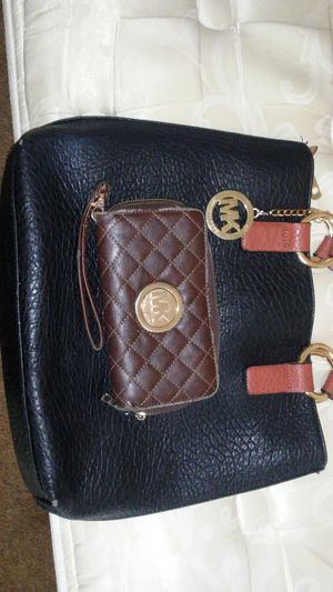 Mk purse and wallet for Sale in Orlando, FL