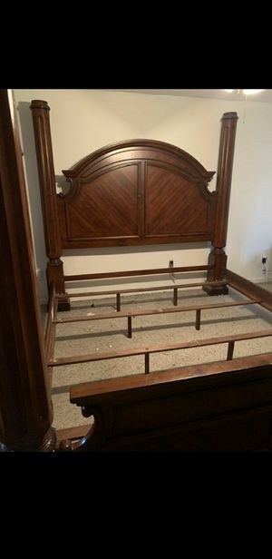 King bed frame for Sale in St. Petersburg, FL