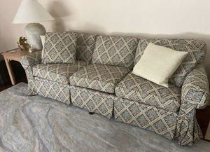 Ethan Allen Couch for Sale in Palm Beach Gardens, FL