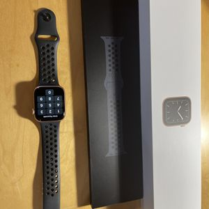 Apple Watch 44mm Cellular for Sale in Santee, CA