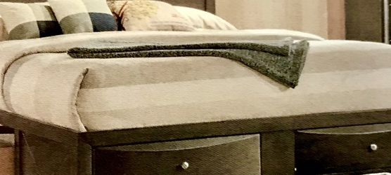 Q/Grey Captain's Bed 7pc Group $2300 for Sale in Baltimore,  MD