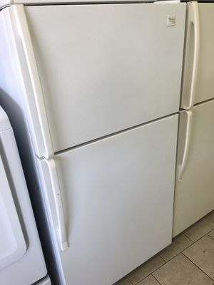 Whirlpool gold refrigerator for Sale in Dearborn, MI