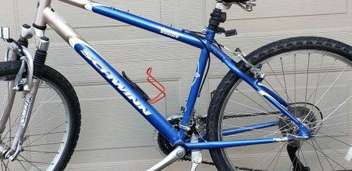 Schwinn Sierra 21 Speed Mountain Bike for Sale in Clackamas,  OR