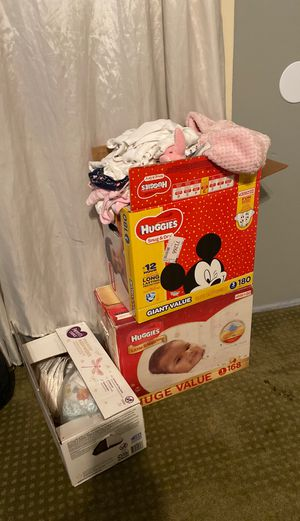 Pampers size 1 and clothes 3-6 months for baby girl for Sale in Chino Hills, CA