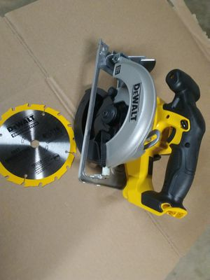 DEWALT SAW for Sale in Colton, CA