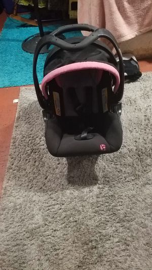 Car seat for Sale in Golden, CO