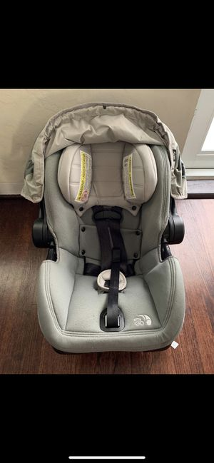 City Mini Infant Carrier (Car Seat) with Base for Sale in Miami, FL