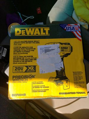Dewalt mid torque 1/2in wrench impact for Sale in Lynwood, CA