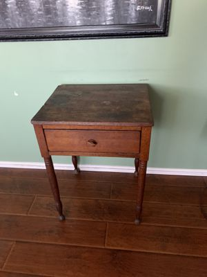 Antique end table. for Sale in Corona, CA