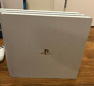 Sony PlayStation 4 pro White for Sale in Houston, TX