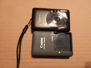 Canon Powershot digital camera 12.1 MP and battery charger for Sale in Colton, CA