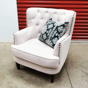 Oversized Club Chair for Sale in Brentwood, MD