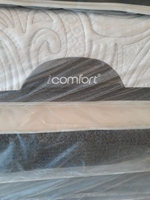 Sealy IComfortSet queen mattress set with box for Sale in Atlanta, GA