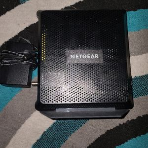 Netgear Nighthawk Cable Modem Wi-Fi Router Combo C7000 V2 for Sale in Avon, IN