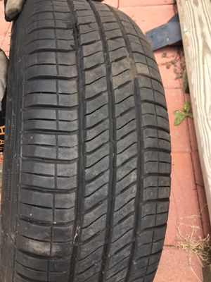 Used set of Michelin tires for Sale in San Gabriel, CA