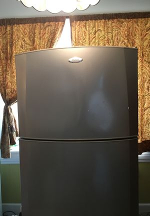 "Whirlpool refrigerator, very clean. Cash-n-carry. Height 67.5"" x width 28"" x depth 29"". for Sale in Philadelphia, PA"