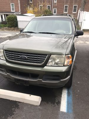 2003 Ford ExplorerXLT 3 rows sun roof for Sale in Staten Island, NY